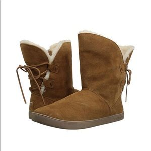 UGG KOOLABURRA BY UGG SHATZI SHORT CHESTNUT BOOTS